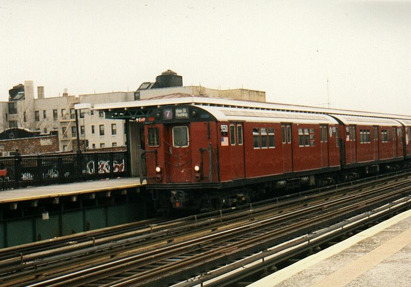 (75k, 810x566)<br><b>Country:</b> United States<br><b>City:</b> New York<br><b>System:</b> New York City Transit<br><b>Line:</b> IRT Flushing Line<br><b>Location:</b> 82nd Street/Jackson Heights <br><b>Route:</b> 7<br><b>Car:</b> R-36 Main Line (St. Louis, 1964) 9550 <br><b>Photo by:</b> Gary Chatterton<br><b>Date:</b> 4/10/2002<br><b>Viewed (this week/total):</b> 6 / 5114