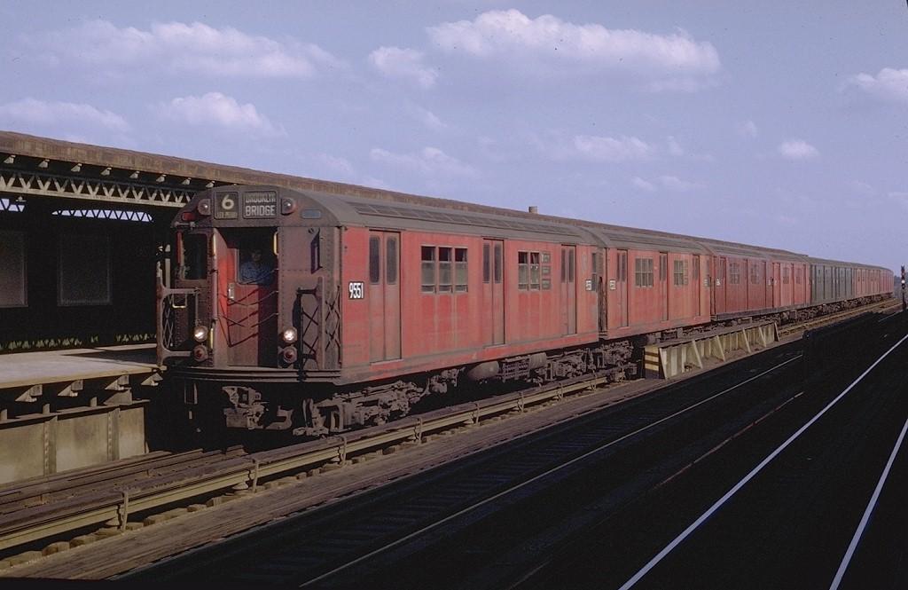 (161k, 1024x665)<br><b>Country:</b> United States<br><b>City:</b> New York<br><b>System:</b> New York City Transit<br><b>Line:</b> IRT Pelham Line<br><b>Location:</b> Castle Hill Avenue <br><b>Route:</b> 6<br><b>Car:</b> R-36 Main Line (St. Louis, 1964) 9551 <br><b>Photo by:</b> Joe Testagrose<br><b>Date:</b> 11/8/1969<br><b>Viewed (this week/total):</b> 1 / 3027