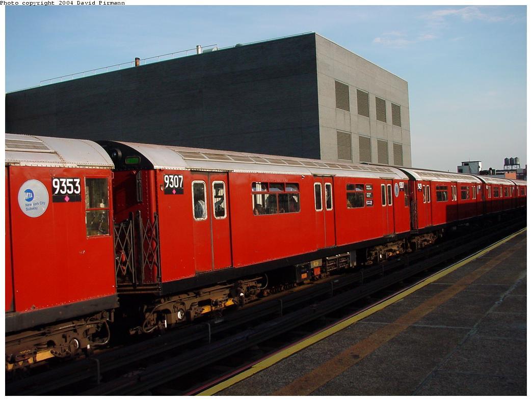 (103k, 1044x788)<br><b>Country:</b> United States<br><b>City:</b> New York<br><b>System:</b> New York City Transit<br><b>Line:</b> IRT Flushing Line<br><b>Location:</b> Court House Square/45th Road <br><b>Route:</b> 7<br><b>Car:</b> R-33 World's Fair (St. Louis, 1963-64) 9307 <br><b>Photo by:</b> David Pirmann<br><b>Date:</b> 7/16/2001<br><b>Viewed (this week/total):</b> 2 / 4544