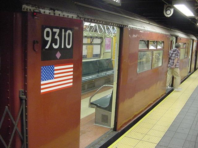 (60k, 640x480)<br><b>Country:</b> United States<br><b>City:</b> New York<br><b>System:</b> New York City Transit<br><b>Line:</b> IRT Flushing Line<br><b>Location:</b> Times Square <br><b>Car:</b> R-33 World's Fair (St. Louis, 1963-64) 9310 <br><b>Photo by:</b> Salaam Allah<br><b>Date:</b> 9/21/2002<br><b>Viewed (this week/total):</b> 3 / 4711