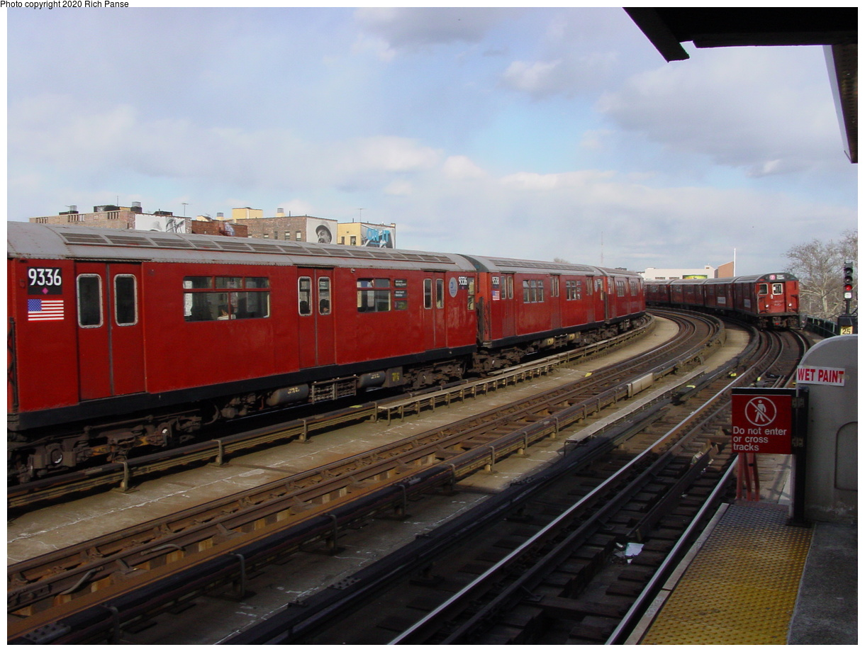 (69k, 820x620)<br><b>Country:</b> United States<br><b>City:</b> New York<br><b>System:</b> New York City Transit<br><b>Line:</b> IRT Flushing Line<br><b>Location:</b> 46th Street/Bliss Street <br><b>Route:</b> 7<br><b>Car:</b> R-33 World's Fair (St. Louis, 1963-64) 9336 <br><b>Photo by:</b> Richard Panse<br><b>Date:</b> 3/22/2002<br><b>Viewed (this week/total):</b> 0 / 3377