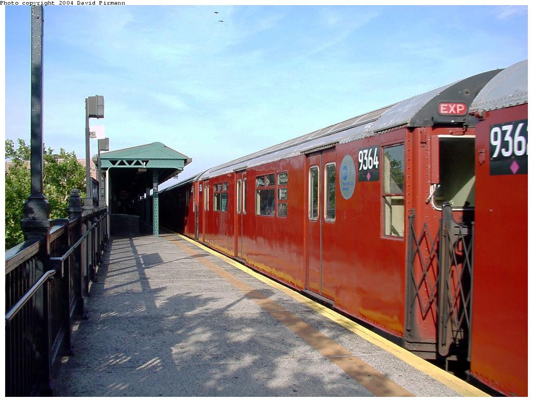 (126k, 1044x788)<br><b>Country:</b> United States<br><b>City:</b> New York<br><b>System:</b> New York City Transit<br><b>Line:</b> IRT Flushing Line<br><b>Location:</b> 52nd Street/Lincoln Avenue <br><b>Route:</b> 7<br><b>Car:</b> R-36 World's Fair (St. Louis, 1963-64) 9364 <br><b>Photo by:</b> David Pirmann<br><b>Date:</b> 7/16/2001<br><b>Viewed (this week/total):</b> 0 / 4053