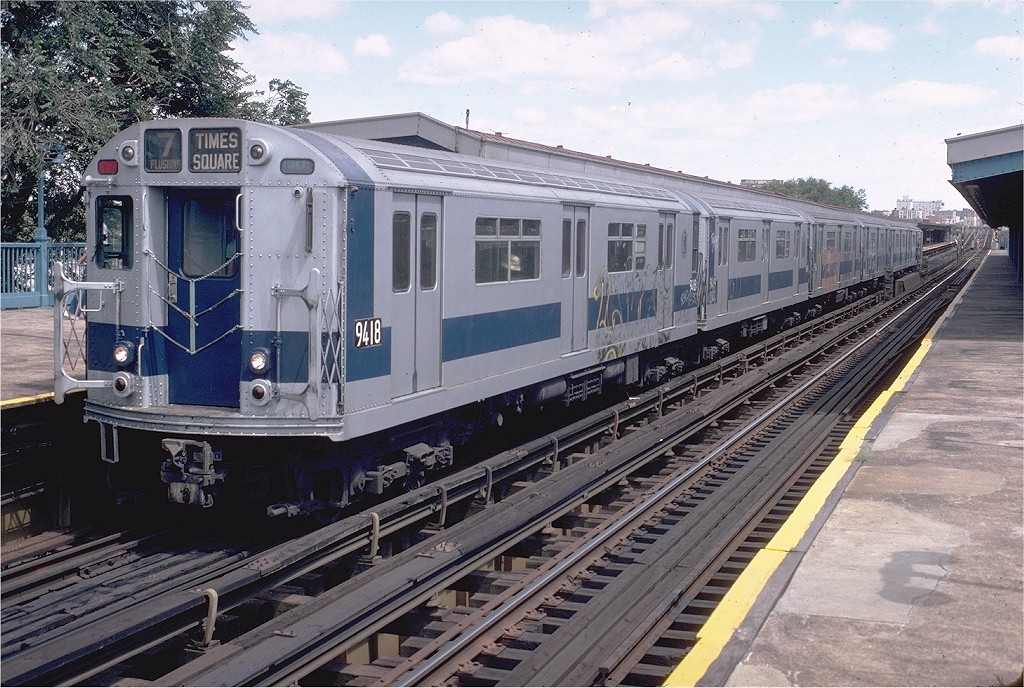 (248k, 1024x688)<br><b>Country:</b> United States<br><b>City:</b> New York<br><b>System:</b> New York City Transit<br><b>Line:</b> IRT Flushing Line<br><b>Location:</b> Willets Point/Mets (fmr. Shea Stadium) <br><b>Route:</b> 7<br><b>Car:</b> R-36 World's Fair (St. Louis, 1963-64) 9418 <br><b>Collection of:</b> Joe Testagrose<br><b>Date:</b> 8/16/1980<br><b>Viewed (this week/total):</b> 0 / 4469