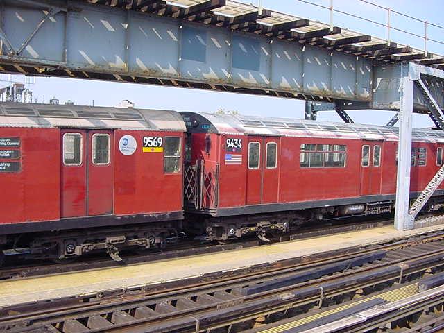 (61k, 640x480)<br><b>Country:</b> United States<br><b>City:</b> New York<br><b>System:</b> New York City Transit<br><b>Line:</b> IRT Flushing Line<br><b>Location:</b> 111th Street <br><b>Route:</b> 7<br><b>Car:</b> R-36 World's Fair (St. Louis, 1963-64) 9434 <br><b>Photo by:</b> Salaam Allah<br><b>Date:</b> 9/21/2002<br><b>Viewed (this week/total):</b> 0 / 4095