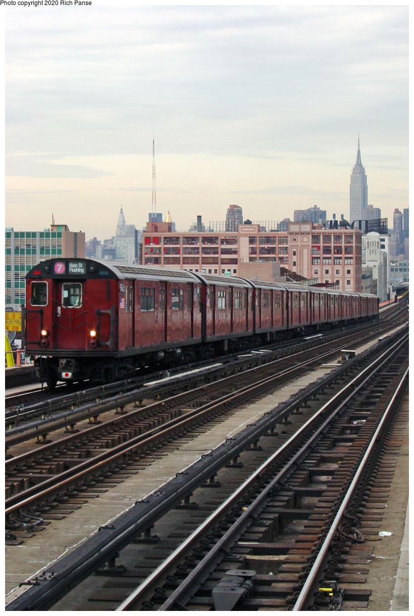 (63k, 620x820)<br><b>Country:</b> United States<br><b>City:</b> New York<br><b>System:</b> New York City Transit<br><b>Line:</b> IRT Flushing Line<br><b>Location:</b> 40th Street/Lowery Street <br><b>Route:</b> 7<br><b>Car:</b> R-36 World's Fair (St. Louis, 1963-64) 9463 <br><b>Photo by:</b> Richard Panse<br><b>Date:</b> 2002<br><b>Viewed (this week/total):</b> 0 / 3965