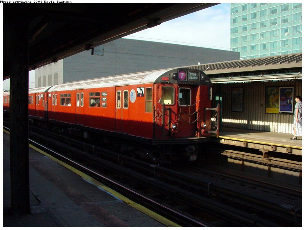 (112k, 1044x788)<br><b>Country:</b> United States<br><b>City:</b> New York<br><b>System:</b> New York City Transit<br><b>Line:</b> IRT Flushing Line<br><b>Location:</b> Court House Square/45th Road <br><b>Route:</b> 7<br><b>Car:</b> R-36 World's Fair (St. Louis, 1963-64) 9471 <br><b>Photo by:</b> David Pirmann<br><b>Date:</b> 7/16/2001<br><b>Viewed (this week/total):</b> 2 / 3596