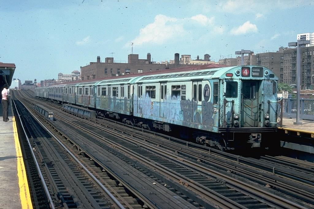 (236k, 1024x682)<br><b>Country:</b> United States<br><b>City:</b> New York<br><b>System:</b> New York City Transit<br><b>Line:</b> IRT Woodlawn Line<br><b>Location:</b> 161st Street/River Avenue (Yankee Stadium) <br><b>Route:</b> 4<br><b>Car:</b> R-36 World's Fair (St. Louis, 1963-64) 9499 <br><b>Photo by:</b> Doug Grotjahn<br><b>Collection of:</b> Joe Testagrose<br><b>Date:</b> 6/5/1978<br><b>Viewed (this week/total):</b> 0 / 6443