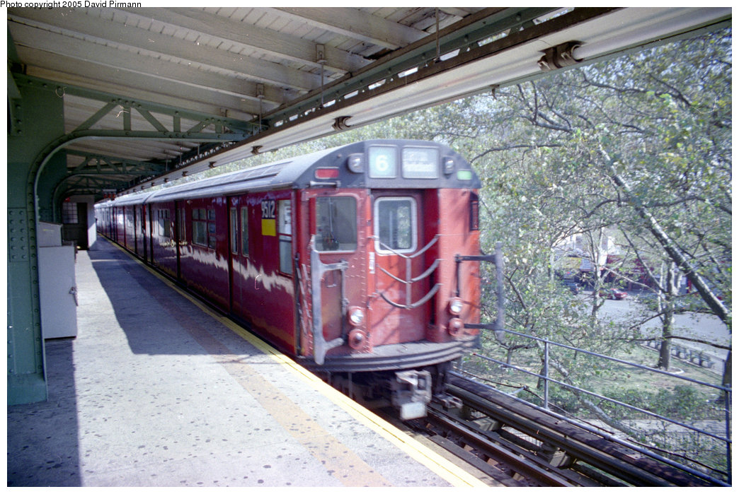 (251k, 1044x699)<br><b>Country:</b> United States<br><b>City:</b> New York<br><b>System:</b> New York City Transit<br><b>Line:</b> IRT Pelham Line<br><b>Location:</b> East 177th Street/Parkchester <br><b>Route:</b> 6<br><b>Car:</b> R-36 World's Fair (St. Louis, 1963-64) 9512 <br><b>Photo by:</b> David Pirmann<br><b>Date:</b> 9/13/1998<br><b>Viewed (this week/total):</b> 0 / 6419