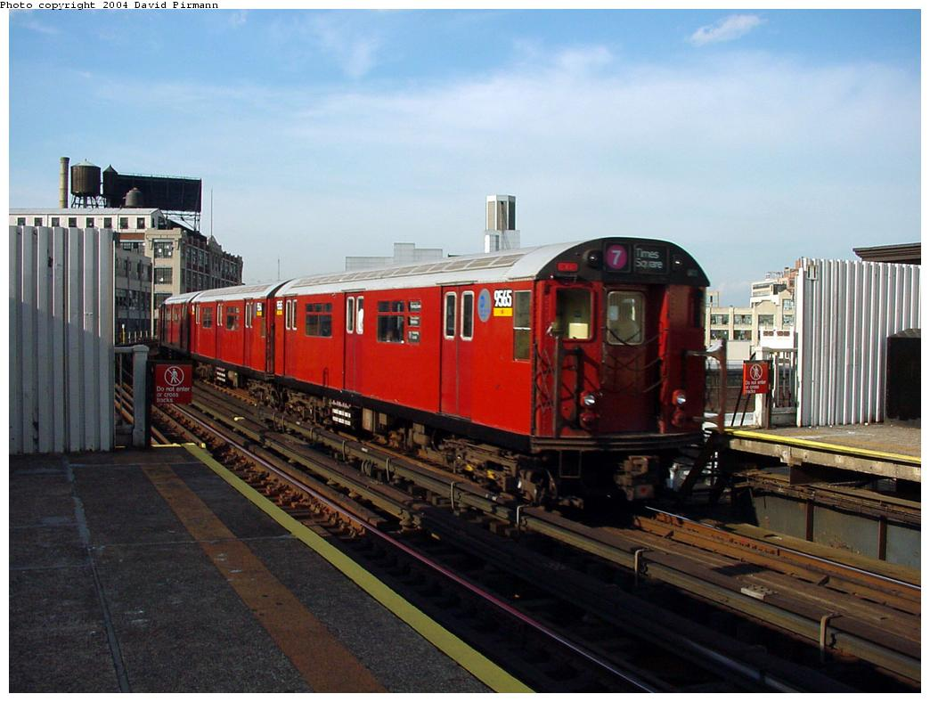 (115k, 1044x788)<br><b>Country:</b> United States<br><b>City:</b> New York<br><b>System:</b> New York City Transit<br><b>Line:</b> IRT Flushing Line<br><b>Location:</b> Court House Square/45th Road <br><b>Route:</b> 7<br><b>Car:</b> R-36 World's Fair (St. Louis, 1963-64) 9565 <br><b>Photo by:</b> David Pirmann<br><b>Date:</b> 7/16/2001<br><b>Viewed (this week/total):</b> 1 / 3970