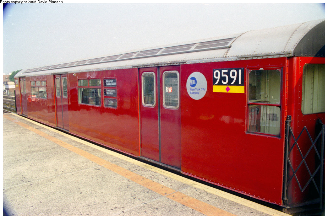 (194k, 1044x698)<br><b>Country:</b> United States<br><b>City:</b> New York<br><b>System:</b> New York City Transit<br><b>Line:</b> IRT Flushing Line<br><b>Location:</b> 82nd Street/Jackson Heights <br><b>Route:</b> 7<br><b>Car:</b> R-36 World's Fair (St. Louis, 1963-64) 9591 <br><b>Photo by:</b> David Pirmann<br><b>Date:</b> 7/29/1998<br><b>Viewed (this week/total):</b> 5 / 4523
