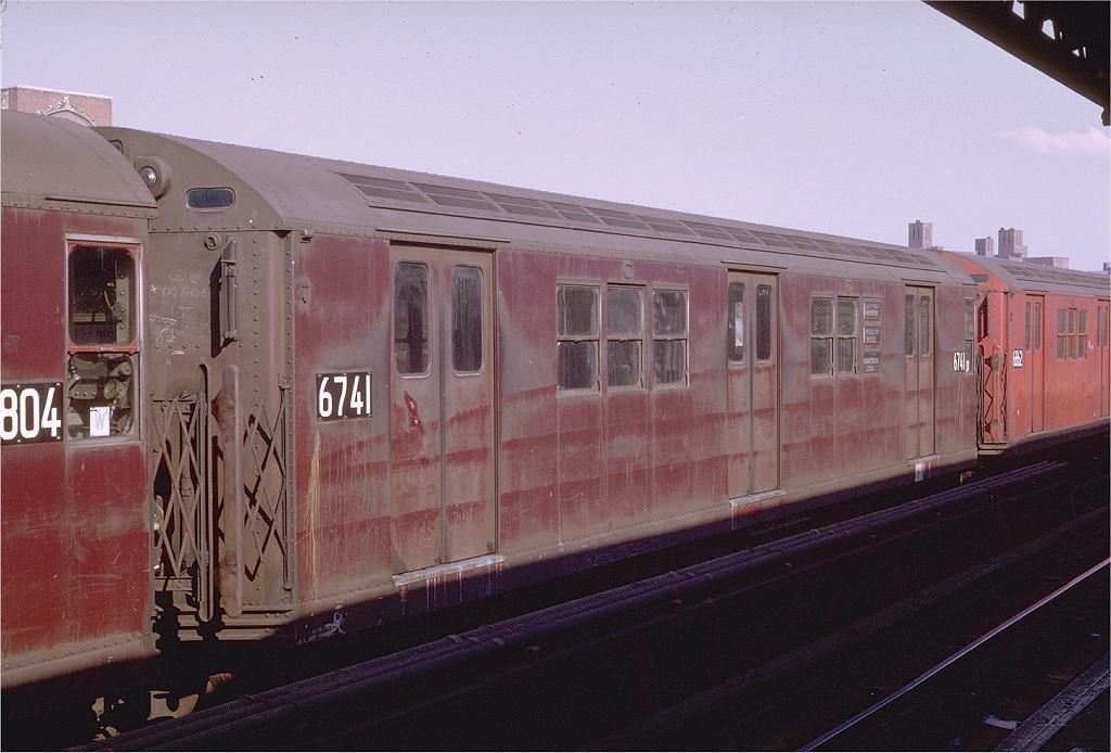 (189k, 1024x694)<br><b>Country:</b> United States<br><b>City:</b> New York<br><b>System:</b> New York City Transit<br><b>Line:</b> IRT Pelham Line<br><b>Location:</b> St. Lawrence Avenue <br><b>Route:</b> 6<br><b>Car:</b> R-17 (St. Louis, 1955-56) 6741 <br><b>Photo by:</b> Joe Testagrose<br><b>Date:</b> 11/8/1969<br><b>Viewed (this week/total):</b> 1 / 3640
