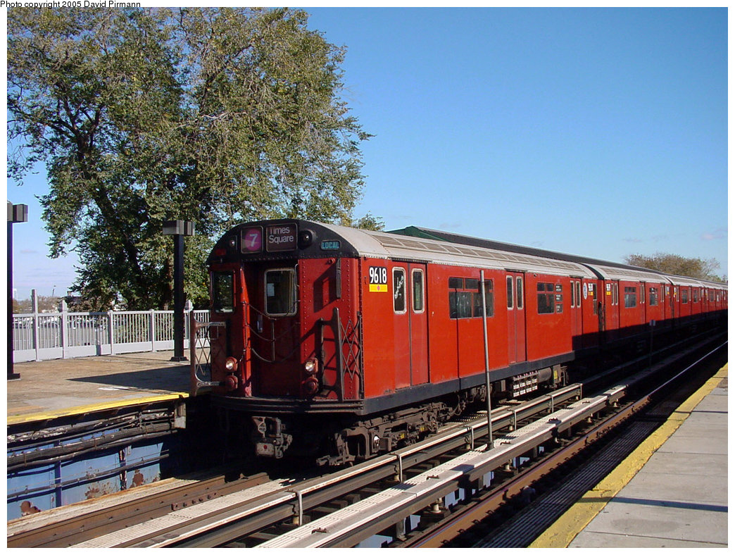 (299k, 1044x788)<br><b>Country:</b> United States<br><b>City:</b> New York<br><b>System:</b> New York City Transit<br><b>Line:</b> IRT Flushing Line<br><b>Location:</b> Willets Point/Mets (fmr. Shea Stadium) <br><b>Route:</b> 7<br><b>Car:</b> R-36 World's Fair (St. Louis, 1963-64) 9618 <br><b>Photo by:</b> David Pirmann<br><b>Date:</b> 11/11/2001<br><b>Viewed (this week/total):</b> 0 / 3980