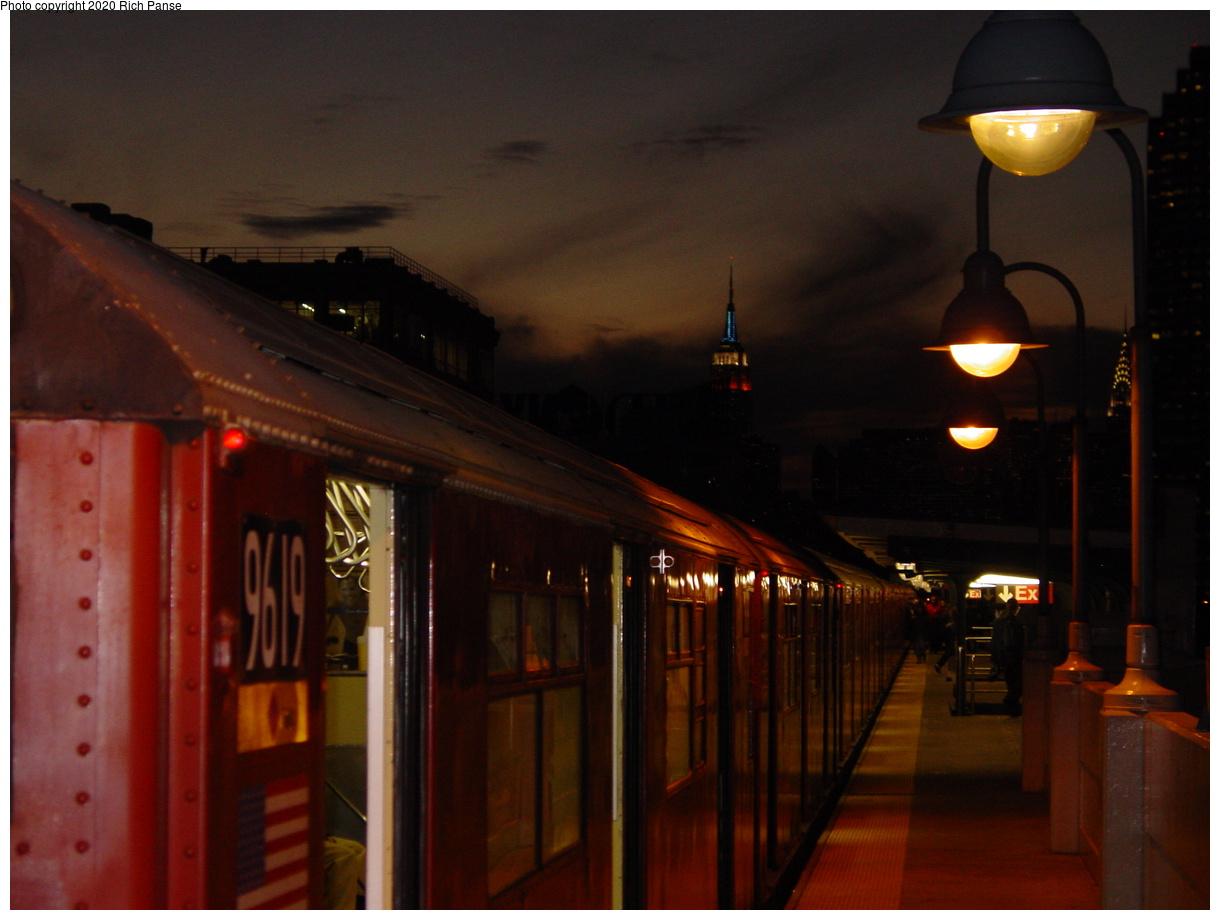 (49k, 820x620)<br><b>Country:</b> United States<br><b>City:</b> New York<br><b>System:</b> New York City Transit<br><b>Line:</b> IRT Flushing Line<br><b>Location:</b> 33rd Street/Rawson Street <br><b>Route:</b> 7<br><b>Car:</b> R-36 World's Fair (St. Louis, 1963-64) 9619 <br><b>Photo by:</b> Richard Panse<br><b>Date:</b> 10/31/2002<br><b>Viewed (this week/total):</b> 1 / 5002