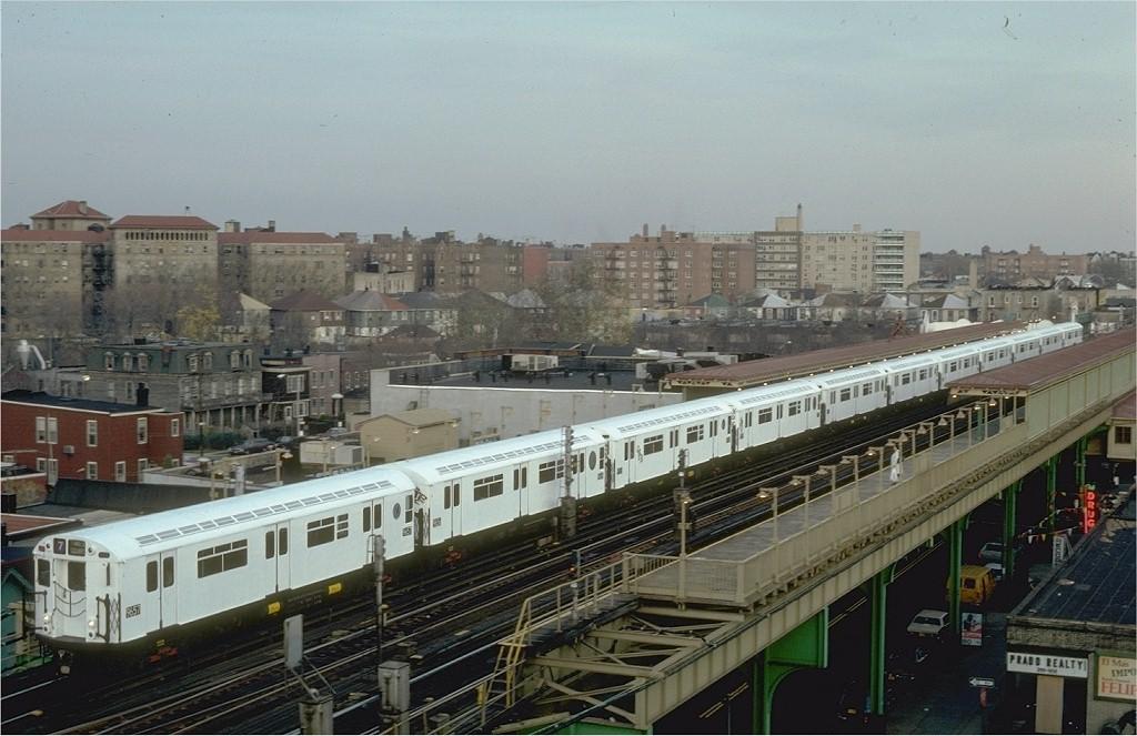 (188k, 1024x663)<br><b>Country:</b> United States<br><b>City:</b> New York<br><b>System:</b> New York City Transit<br><b>Line:</b> IRT Flushing Line<br><b>Location:</b> 69th Street/Fisk Avenue <br><b>Route:</b> 7<br><b>Car:</b> R-36 World's Fair (St. Louis, 1963-64) 9657 <br><b>Photo by:</b> Steve Zabel<br><b>Collection of:</b> Joe Testagrose<br><b>Date:</b> 11/19/1981<br><b>Viewed (this week/total):</b> 1 / 4975