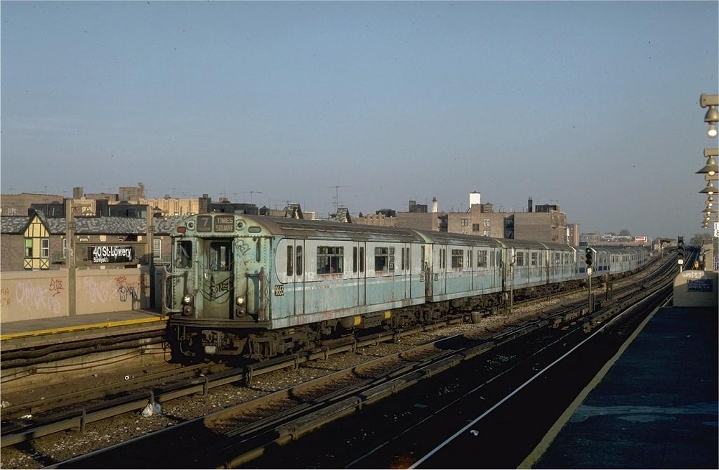 (175k, 1024x669)<br><b>Country:</b> United States<br><b>City:</b> New York<br><b>System:</b> New York City Transit<br><b>Line:</b> IRT Flushing Line<br><b>Location:</b> 40th Street/Lowery Street <br><b>Route:</b> 7<br><b>Car:</b> R-36 World's Fair (St. Louis, 1963-64) 9663 <br><b>Collection of:</b> Joe Testagrose<br><b>Date:</b> 11/2/1981<br><b>Viewed (this week/total):</b> 2 / 4528