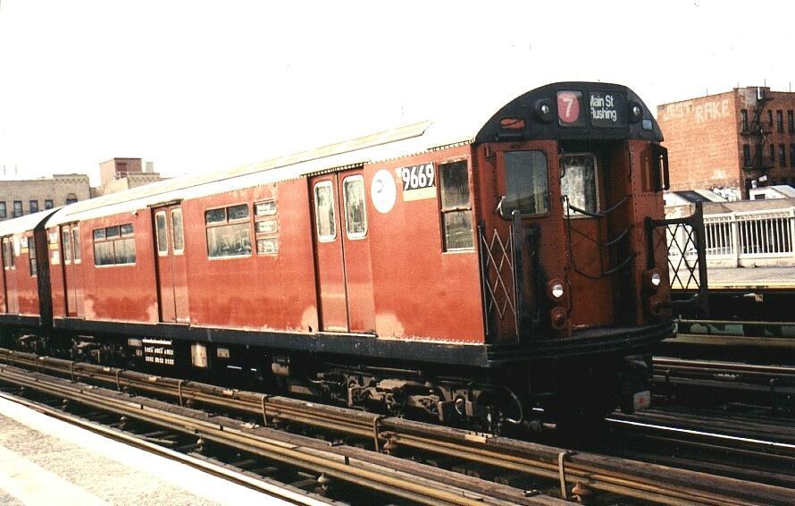 (82k, 890x566)<br><b>Country:</b> United States<br><b>City:</b> New York<br><b>System:</b> New York City Transit<br><b>Line:</b> IRT Flushing Line<br><b>Location:</b> 90th Street/Elmhurst Avenue <br><b>Route:</b> 7<br><b>Car:</b> R-36 World's Fair (St. Louis, 1963-64) 9669 <br><b>Photo by:</b> Gary Chatterton<br><b>Date:</b> 3/4/2002<br><b>Viewed (this week/total):</b> 0 / 4023
