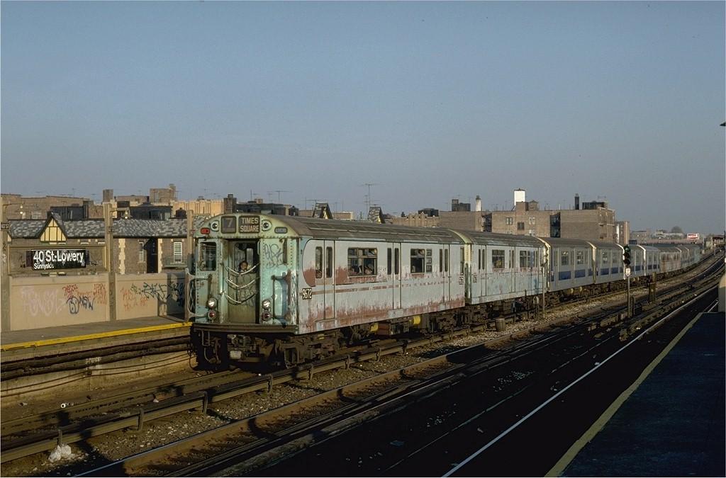 (177k, 1024x675)<br><b>Country:</b> United States<br><b>City:</b> New York<br><b>System:</b> New York City Transit<br><b>Line:</b> IRT Flushing Line<br><b>Location:</b> 40th Street/Lowery Street <br><b>Route:</b> 7<br><b>Car:</b> R-36 World's Fair (St. Louis, 1963-64) 9672 <br><b>Collection of:</b> Joe Testagrose<br><b>Date:</b> 11/2/1981<br><b>Viewed (this week/total):</b> 2 / 4790