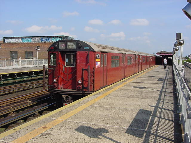 (60k, 640x480)<br><b>Country:</b> United States<br><b>City:</b> New York<br><b>System:</b> New York City Transit<br><b>Line:</b> IRT Flushing Line<br><b>Location:</b> 90th Street/Elmhurst Avenue <br><b>Route:</b> 7<br><b>Car:</b> R-36 World's Fair (St. Louis, 1963-64) 9681 <br><b>Photo by:</b> Salaam Allah<br><b>Date:</b> 9/21/2002<br><b>Viewed (this week/total):</b> 3 / 2657