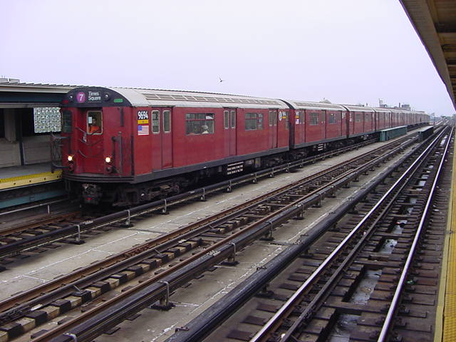 (60k, 640x480)<br><b>Country:</b> United States<br><b>City:</b> New York<br><b>System:</b> New York City Transit<br><b>Line:</b> IRT Flushing Line<br><b>Location:</b> 40th Street/Lowery Street <br><b>Route:</b> 7<br><b>Car:</b> R-36 World's Fair (St. Louis, 1963-64) 9694 <br><b>Photo by:</b> Salaam Allah<br><b>Date:</b> 9/27/2002<br><b>Viewed (this week/total):</b> 1 / 2727