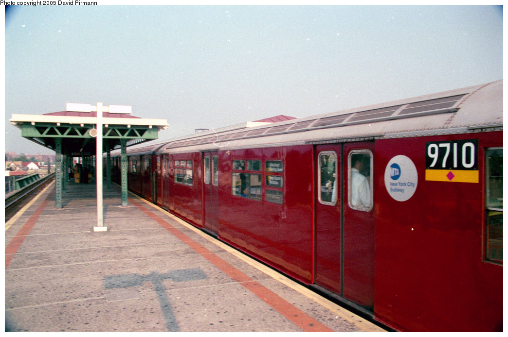 (185k, 1044x694)<br><b>Country:</b> United States<br><b>City:</b> New York<br><b>System:</b> New York City Transit<br><b>Line:</b> IRT Flushing Line<br><b>Location:</b> Junction Boulevard <br><b>Route:</b> 7<br><b>Car:</b> R-36 World's Fair (St. Louis, 1963-64) 9710 <br><b>Photo by:</b> David Pirmann<br><b>Date:</b> 7/29/1998<br><b>Viewed (this week/total):</b> 1 / 5604