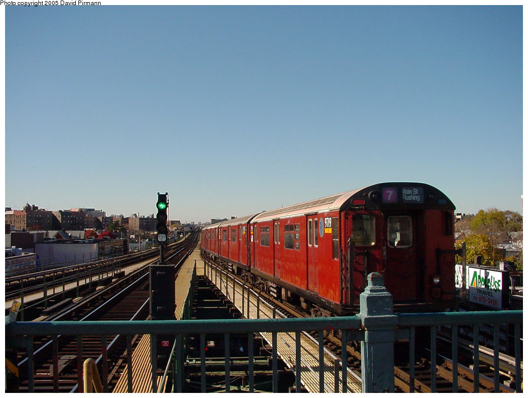 (195k, 1044x788)<br><b>Country:</b> United States<br><b>City:</b> New York<br><b>System:</b> New York City Transit<br><b>Line:</b> IRT Flushing Line<br><b>Location:</b> Junction Boulevard <br><b>Route:</b> 7<br><b>Car:</b> R-36 World's Fair (St. Louis, 1963-64) 9719 <br><b>Photo by:</b> David Pirmann<br><b>Date:</b> 11/11/2001<br><b>Viewed (this week/total):</b> 0 / 4485