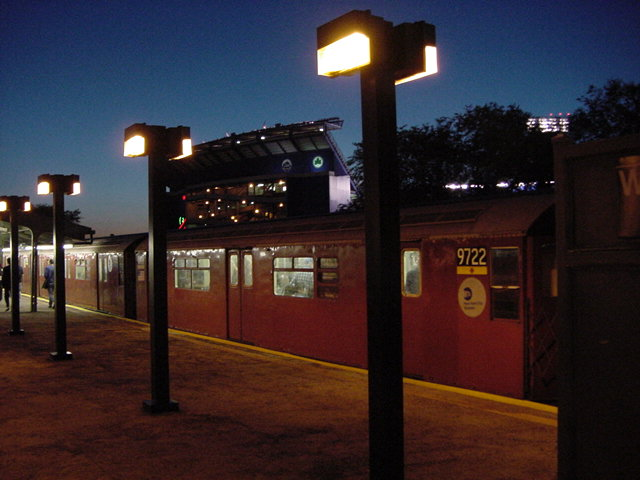 (62k, 640x480)<br><b>Country:</b> United States<br><b>City:</b> New York<br><b>System:</b> New York City Transit<br><b>Line:</b> IRT Flushing Line<br><b>Location:</b> Willets Point/Mets (fmr. Shea Stadium) <br><b>Route:</b> 7<br><b>Car:</b> R-36 World's Fair (St. Louis, 1963-64) 9722 <br><b>Photo by:</b> Salaam Allah<br><b>Date:</b> 9/18/2002<br><b>Viewed (this week/total):</b> 0 / 4371