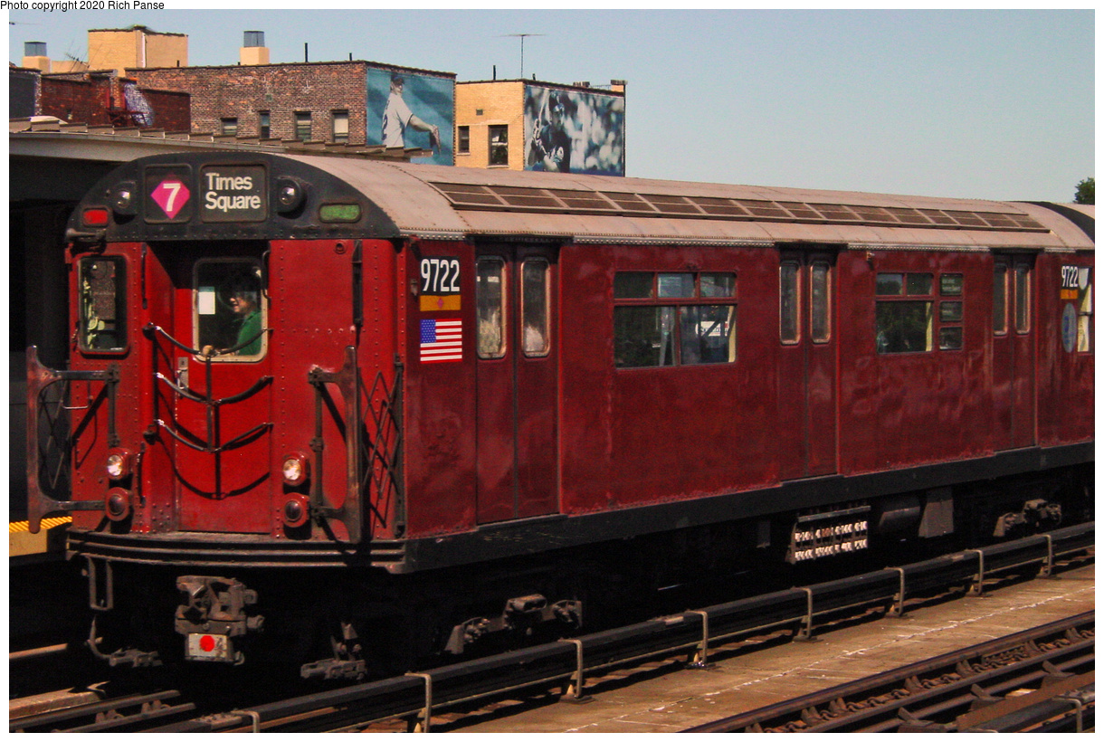 (59k, 820x620)<br><b>Country:</b> United States<br><b>City:</b> New York<br><b>System:</b> New York City Transit<br><b>Line:</b> IRT Flushing Line<br><b>Location:</b> 46th Street/Bliss Street <br><b>Route:</b> 7<br><b>Car:</b> R-36 World's Fair (St. Louis, 1963-64) 9722 <br><b>Photo by:</b> Richard Panse<br><b>Date:</b> 7/11/2002<br><b>Viewed (this week/total):</b> 2 / 2829