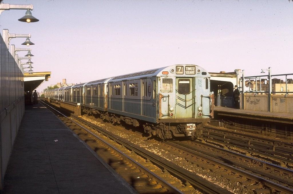 (207k, 1024x679)<br><b>Country:</b> United States<br><b>City:</b> New York<br><b>System:</b> New York City Transit<br><b>Line:</b> IRT Flushing Line<br><b>Location:</b> 46th Street/Bliss Street <br><b>Route:</b> 7<br><b>Car:</b> R-36 World's Fair (St. Louis, 1963-64) 9732 <br><b>Photo by:</b> Joe Testagrose<br><b>Date:</b> 5/26/1972<br><b>Viewed (this week/total):</b> 0 / 5097