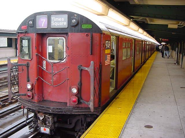 (59k, 640x480)<br><b>Country:</b> United States<br><b>City:</b> New York<br><b>System:</b> New York City Transit<br><b>Line:</b> IRT Flushing Line<br><b>Location:</b> 40th Street/Lowery Street <br><b>Car:</b> R-36 World's Fair (St. Louis, 1963-64) 9749 <br><b>Photo by:</b> Salaam Allah<br><b>Date:</b> 9/26/2002<br><b>Viewed (this week/total):</b> 0 / 2522