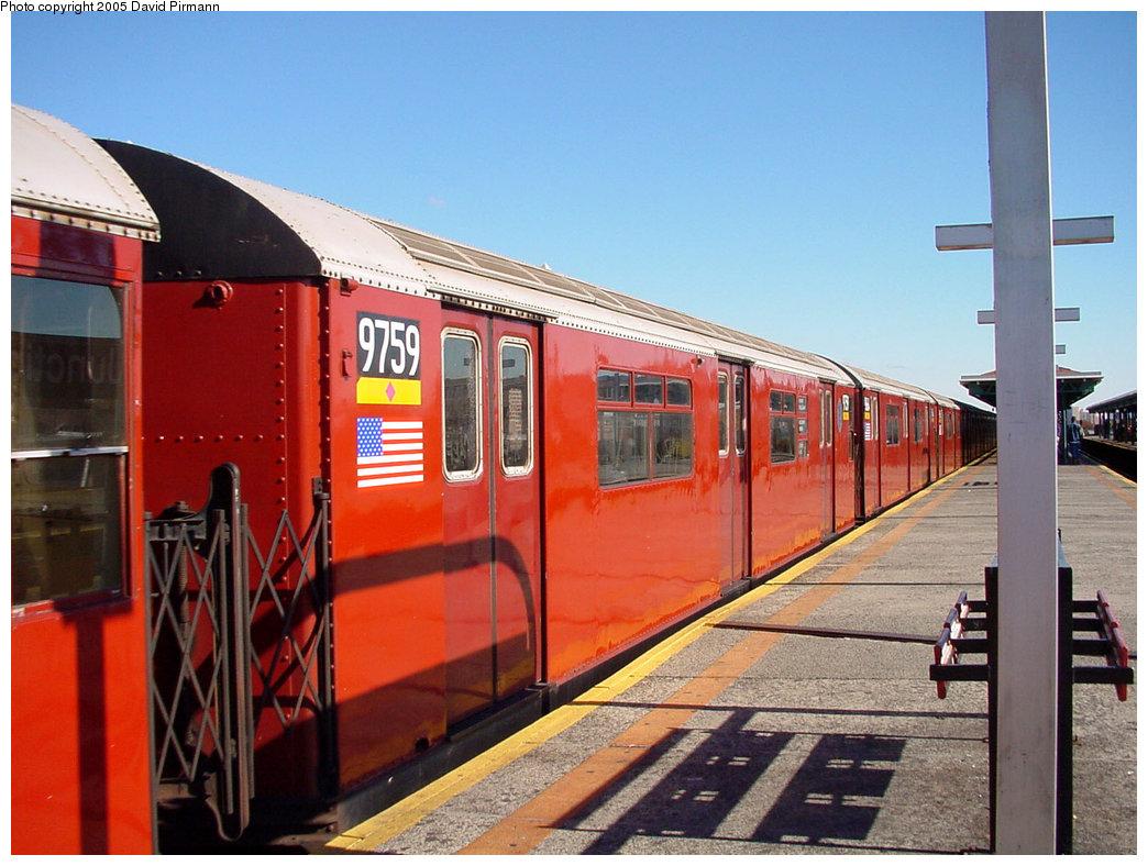 (217k, 1044x788)<br><b>Country:</b> United States<br><b>City:</b> New York<br><b>System:</b> New York City Transit<br><b>Line:</b> IRT Flushing Line<br><b>Location:</b> Junction Boulevard <br><b>Route:</b> 7<br><b>Car:</b> R-36 World's Fair (St. Louis, 1963-64) 9759 <br><b>Photo by:</b> David Pirmann<br><b>Date:</b> 11/11/2001<br><b>Viewed (this week/total):</b> 0 / 5319