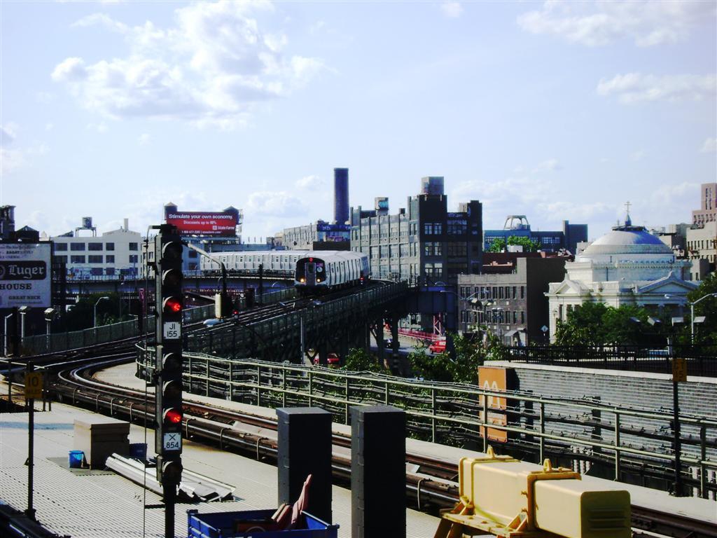 (130k, 1024x768)<br><b>Country:</b> United States<br><b>City:</b> New York<br><b>System:</b> New York City Transit<br><b>Line:</b> BMT Nassau Street/Jamaica Line<br><b>Location:</b> Marcy Avenue <br><b>Route:</b> J<br><b>Car:</b> R-160A-1 (Alstom, 2005-2008, 4 car sets)   <br><b>Photo by:</b> Emmanuel Robinson<br><b>Date:</b> 8/7/2009<br><b>Viewed (this week/total):</b> 7 / 1466