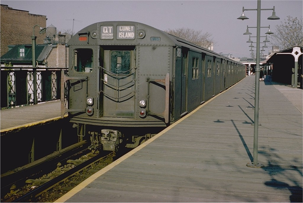 (216k, 1024x686)<br><b>Country:</b> United States<br><b>City:</b> New York<br><b>System:</b> New York City Transit<br><b>Line:</b> BMT Franklin<br><b>Location:</b> Franklin Avenue <br><b>Route:</b> QT<br><b>Car:</b> R-27 (St. Louis, 1960)  8021 <br><b>Photo by:</b> Doug Grotjahn<br><b>Collection of:</b> Joe Testagrose<br><b>Date:</b> 11/25/1965<br><b>Viewed (this week/total):</b> 1 / 5779