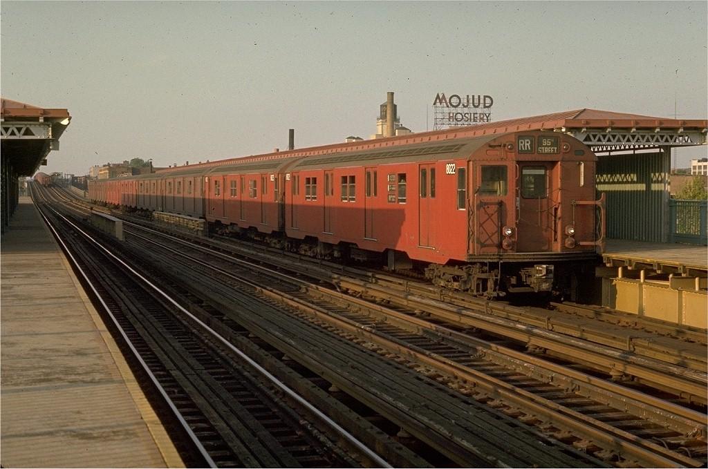 (213k, 1024x679)<br><b>Country:</b> United States<br><b>City:</b> New York<br><b>System:</b> New York City Transit<br><b>Line:</b> BMT Astoria Line<br><b>Location:</b> 39th/Beebe Aves. <br><b>Route:</b> RR<br><b>Car:</b> R-27 (St. Louis, 1960)  8022 <br><b>Photo by:</b> Joe Testagrose<br><b>Date:</b> 5/20/1970<br><b>Viewed (this week/total):</b> 1 / 4028