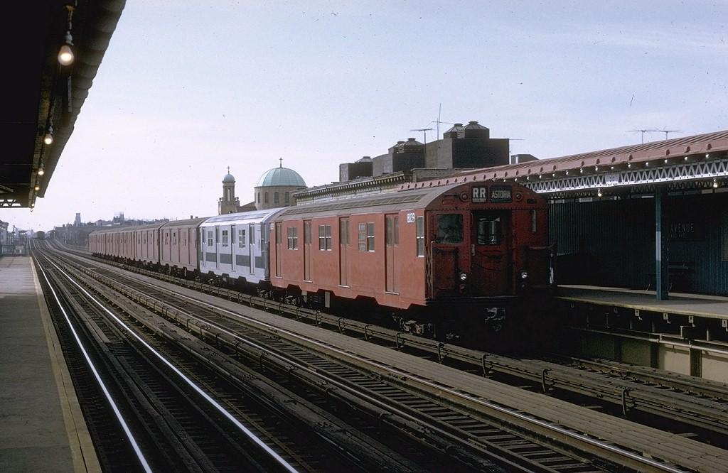 (186k, 1024x666)<br><b>Country:</b> United States<br><b>City:</b> New York<br><b>System:</b> New York City Transit<br><b>Line:</b> BMT Astoria Line<br><b>Location:</b> 30th/Grand Aves. <br><b>Route:</b> RR<br><b>Car:</b> R-27 (St. Louis, 1960)  8039 <br><b>Photo by:</b> Joe Testagrose<br><b>Date:</b> 11/26/1970<br><b>Viewed (this week/total):</b> 1 / 3186