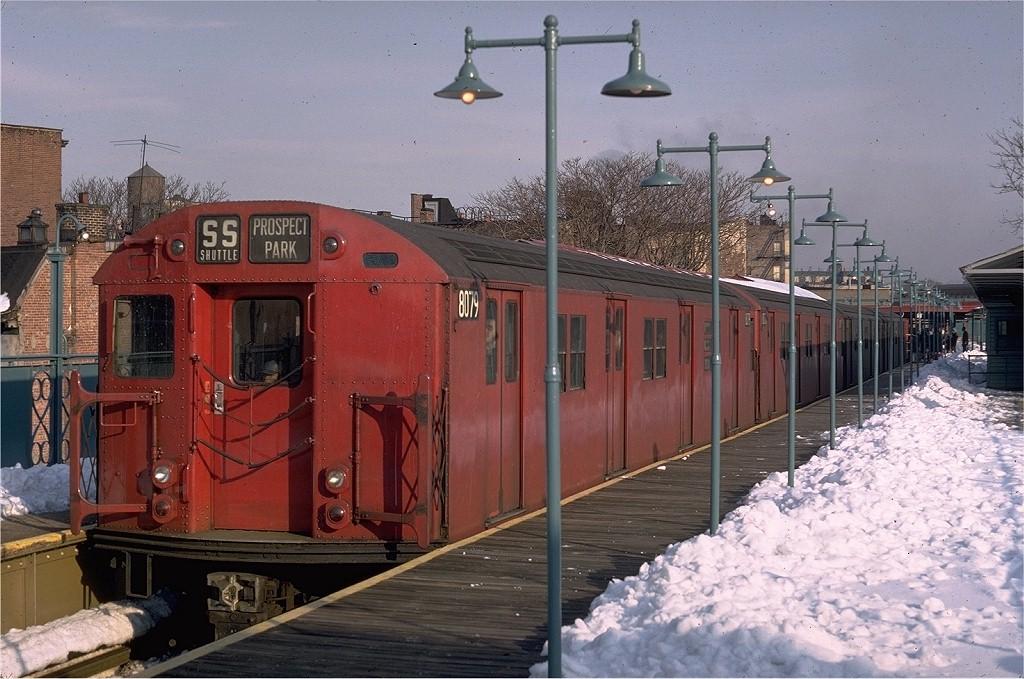 (212k, 1024x679)<br><b>Country:</b> United States<br><b>City:</b> New York<br><b>System:</b> New York City Transit<br><b>Line:</b> BMT Franklin<br><b>Location:</b> Franklin Avenue <br><b>Route:</b> Franklin Shuttle<br><b>Car:</b> R-27 (St. Louis, 1960)  8079 <br><b>Photo by:</b> Doug Grotjahn<br><b>Collection of:</b> Joe Testagrose<br><b>Date:</b> 2/13/1969<br><b>Viewed (this week/total):</b> 1 / 3886