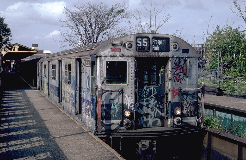 (259k, 1024x666)<br><b>Country:</b> United States<br><b>City:</b> New York<br><b>System:</b> New York City Transit<br><b>Line:</b> BMT Franklin<br><b>Location:</b> Franklin Avenue <br><b>Route:</b> Franklin Shuttle<br><b>Car:</b> R-27 (St. Louis, 1960)  8090 <br><b>Photo by:</b> Steve Zabel<br><b>Collection of:</b> Joe Testagrose<br><b>Date:</b> 9/8/1981<br><b>Viewed (this week/total):</b> 6 / 5071