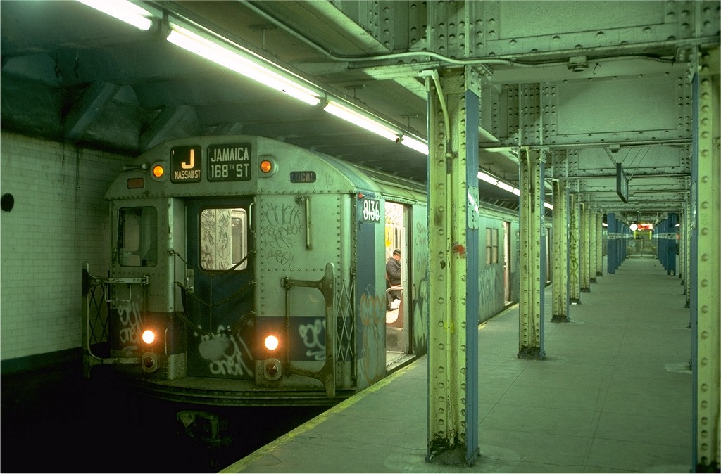(180k, 1024x674)<br><b>Country:</b> United States<br><b>City:</b> New York<br><b>System:</b> New York City Transit<br><b>Line:</b> BMT Nassau Street/Jamaica Line<br><b>Location:</b> Canal Street <br><b>Route:</b> J<br><b>Car:</b> R-27 (St. Louis, 1960)  8136 <br><b>Photo by:</b> Doug Grotjahn<br><b>Collection of:</b> Joe Testagrose<br><b>Date:</b> 12/24/1976<br><b>Viewed (this week/total):</b> 3 / 5637