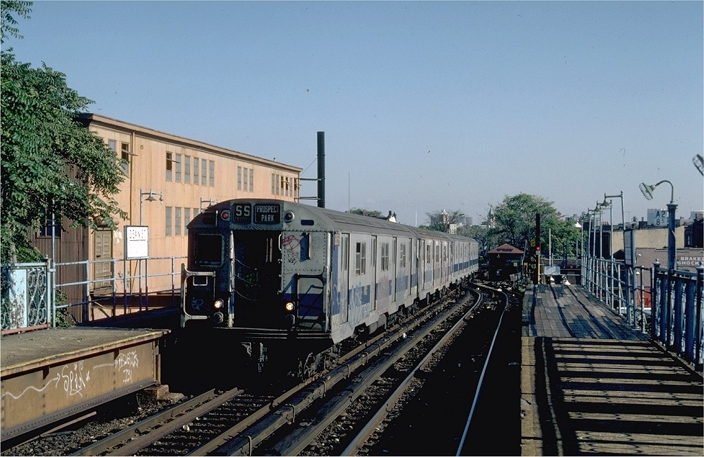 (216k, 1024x664)<br><b>Country:</b> United States<br><b>City:</b> New York<br><b>System:</b> New York City Transit<br><b>Line:</b> BMT Franklin<br><b>Location:</b> Dean Street <br><b>Route:</b> Franklin Shuttle<br><b>Car:</b> R-27 (St. Louis, 1960)  8159 <br><b>Photo by:</b> Steve Zabel<br><b>Collection of:</b> Joe Testagrose<br><b>Date:</b> 9/8/1981<br><b>Viewed (this week/total):</b> 0 / 8390