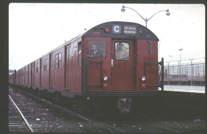(52k, 867x561)<br><b>Country:</b> United States<br><b>City:</b> New York<br><b>System:</b> New York City Transit<br><b>Line:</b> IND Rockaway<br><b>Location:</b> Rockaway Park/Beach 116th Street <br><b>Car:</b> R-30 (St. Louis, 1961) 8470 <br><b>Photo by:</b> Ed McKernan<br><b>Viewed (this week/total):</b> 2 / 5120