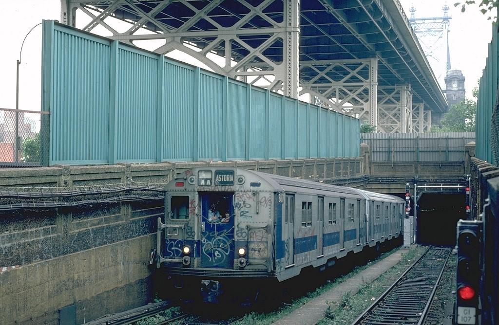 (244k, 1024x668)<br><b>Country:</b> United States<br><b>City:</b> New York<br><b>System:</b> New York City Transit<br><b>Location:</b> 60th St. Tunnel Portal<br><b>Route:</b> R<br><b>Car:</b> R-30 (St. Louis, 1961) 8487 <br><b>Photo by:</b> Steve Zabel<br><b>Collection of:</b> Joe Testagrose<br><b>Date:</b> 9/7/1981<br><b>Viewed (this week/total):</b> 0 / 5030