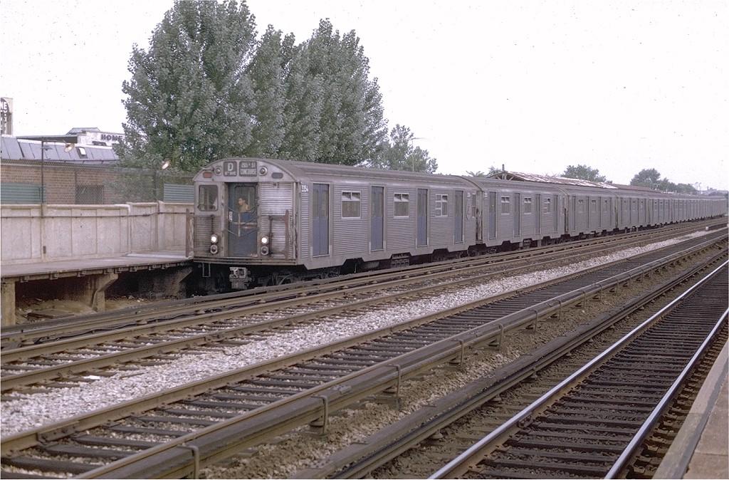 (230k, 1024x674)<br><b>Country:</b> United States<br><b>City:</b> New York<br><b>System:</b> New York City Transit<br><b>Line:</b> BMT Brighton Line<br><b>Location:</b> Neck Road <br><b>Route:</b> D<br><b>Car:</b> R-32 (Budd, 1964)  3354 <br><b>Photo by:</b> Joe Testagrose<br><b>Date:</b> 7/26/1969<br><b>Viewed (this week/total):</b> 4 / 4803