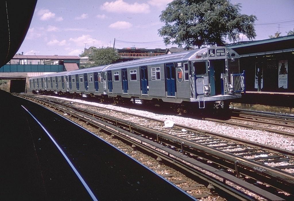 (272k, 1024x700)<br><b>Country:</b> United States<br><b>City:</b> New York<br><b>System:</b> New York City Transit<br><b>Line:</b> BMT Sea Beach Line<br><b>Location:</b> 8th Avenue <br><b>Car:</b> R-32 (Budd, 1964)  3357 <br><b>Photo by:</b> Doug Grotjahn<br><b>Collection of:</b> Joe Testagrose<br><b>Date:</b> 8/24/1964<br><b>Notes:</b> Test track on Sea Beach express<br><b>Viewed (this week/total):</b> 2 / 6541