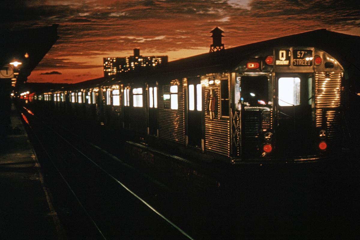 (268k, 1044x708)<br><b>Country:</b> United States<br><b>City:</b> New York<br><b>System:</b> New York City Transit<br><b>Line:</b> BMT Brighton Line<br><b>Location:</b> Brighton Beach <br><b>Route:</b> Q<br><b>Car:</b> R-32 (Budd, 1964)  3359 <br><b>Collection of:</b> David Pirmann<br><b>Date:</b> 10/1/1964<br><b>Viewed (this week/total):</b> 0 / 8131