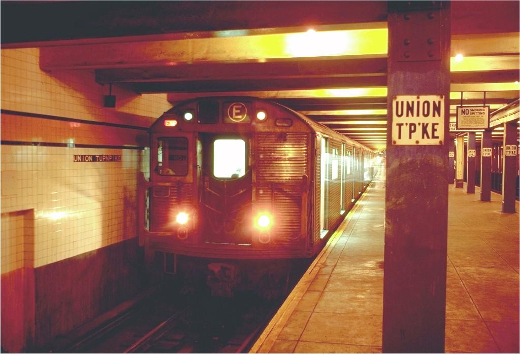 (170k, 1024x698)<br><b>Country:</b> United States<br><b>City:</b> New York<br><b>System:</b> New York City Transit<br><b>Line:</b> IND Queens Boulevard Line<br><b>Location:</b> Union Turnpike/Kew Gardens <br><b>Route:</b> E<br><b>Car:</b> R-32 (Budd, 1964)  3391 <br><b>Photo by:</b> Doug Grotjahn<br><b>Collection of:</b> Joe Testagrose<br><b>Date:</b> 8/14/1970<br><b>Viewed (this week/total):</b> 4 / 6535