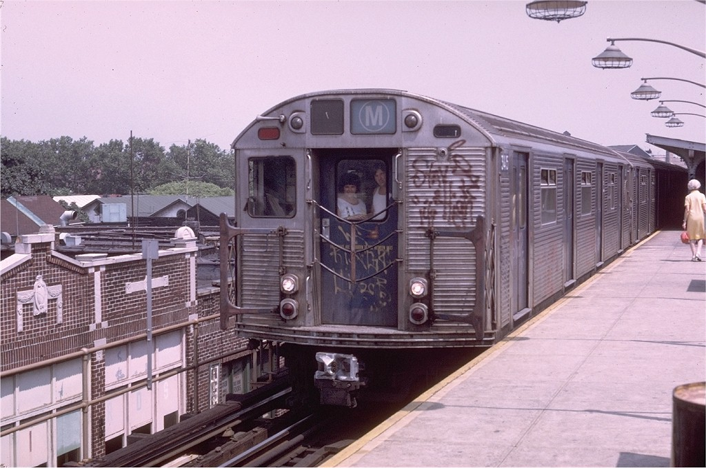 (198k, 1024x679)<br><b>Country:</b> United States<br><b>City:</b> New York<br><b>System:</b> New York City Transit<br><b>Line:</b> BMT Brighton Line<br><b>Location:</b> Brighton Beach <br><b>Route:</b> M<br><b>Car:</b> R-32 (Budd, 1964)  3415 <br><b>Photo by:</b> Doug Grotjahn<br><b>Collection of:</b> Joe Testagrose<br><b>Date:</b> 7/30/1973<br><b>Viewed (this week/total):</b> 2 / 5352