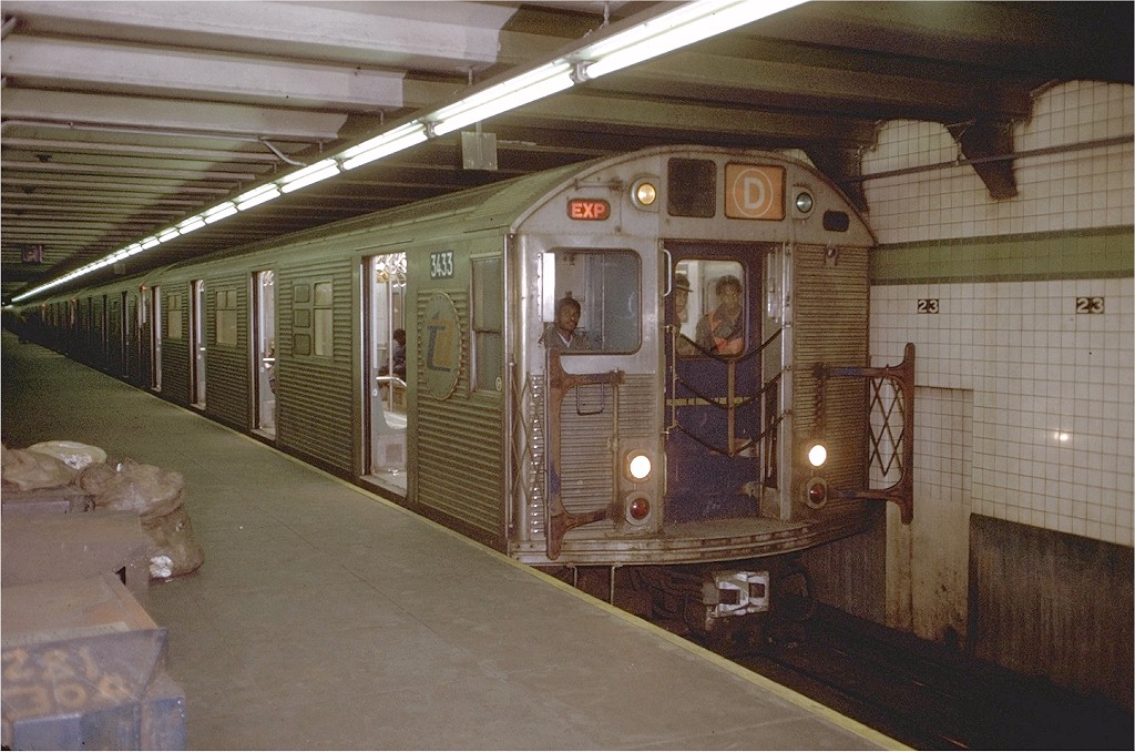 (208k, 1024x678)<br><b>Country:</b> United States<br><b>City:</b> New York<br><b>System:</b> New York City Transit<br><b>Line:</b> IND 6th Avenue Line<br><b>Location:</b> 23rd Street <br><b>Route:</b> D<br><b>Car:</b> R-32 (Budd, 1964)  3433 <br><b>Photo by:</b> Joe Testagrose<br><b>Date:</b> 1/15/1972<br><b>Viewed (this week/total):</b> 3 / 5340