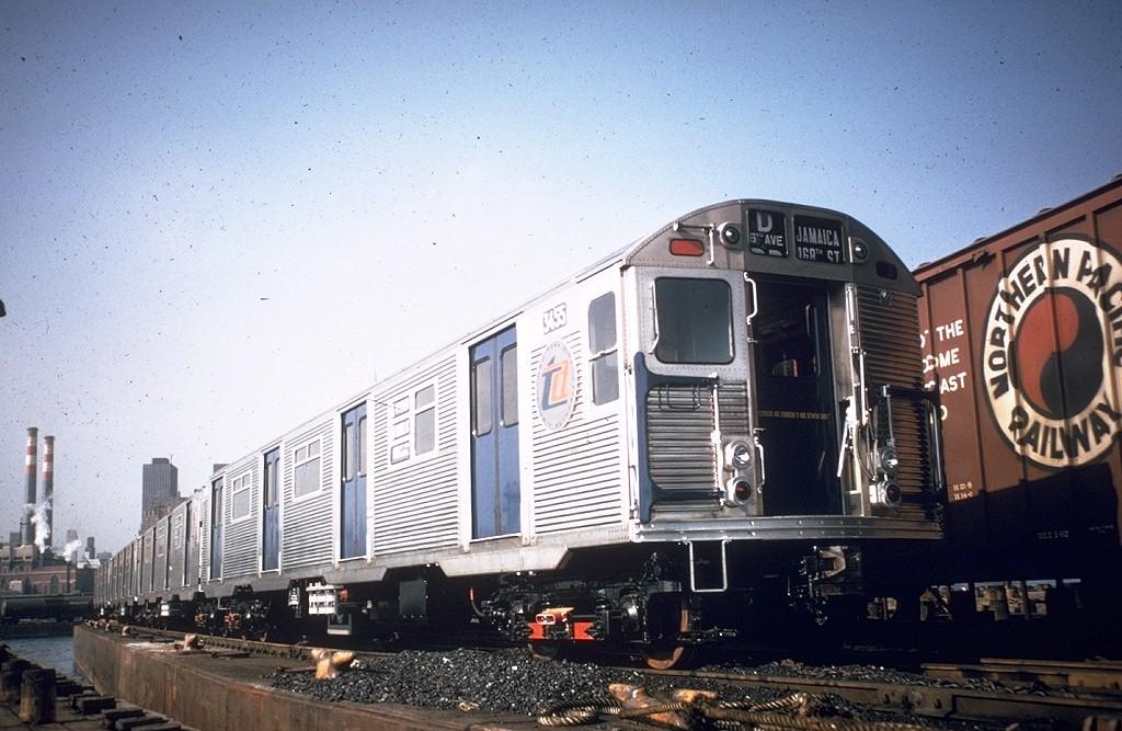 (199k, 1024x667)<br><b>Country:</b> United States<br><b>City:</b> New York<br><b>System:</b> Long Island Rail Road<br><b>Line:</b> LIRR Long Island City<br><b>Location:</b> Long Island City <br><b>Car:</b> R-32 (Budd, 1964)  3435 <br><b>Photo by:</b> Willie Rosenberg<br><b>Collection of:</b> Joe Testagrose<br><b>Date:</b> 11/1964<br><b>Notes:</b> Being delivered<br><b>Viewed (this week/total):</b> 0 / 5245