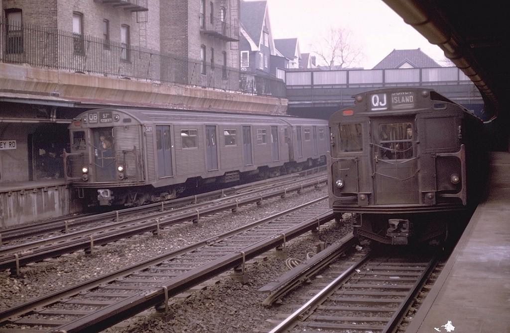 (213k, 1024x670)<br><b>Country:</b> United States<br><b>City:</b> New York<br><b>System:</b> New York City Transit<br><b>Line:</b> BMT Brighton Line<br><b>Location:</b> Beverley Road <br><b>Route:</b> QB<br><b>Car:</b> R-32 (Budd, 1964)  3489 <br><b>Photo by:</b> Doug Grotjahn<br><b>Collection of:</b> Joe Testagrose<br><b>Date:</b> 3/20/1970<br><b>Notes:</b> With R7 1733<br><b>Viewed (this week/total):</b> 5 / 6007