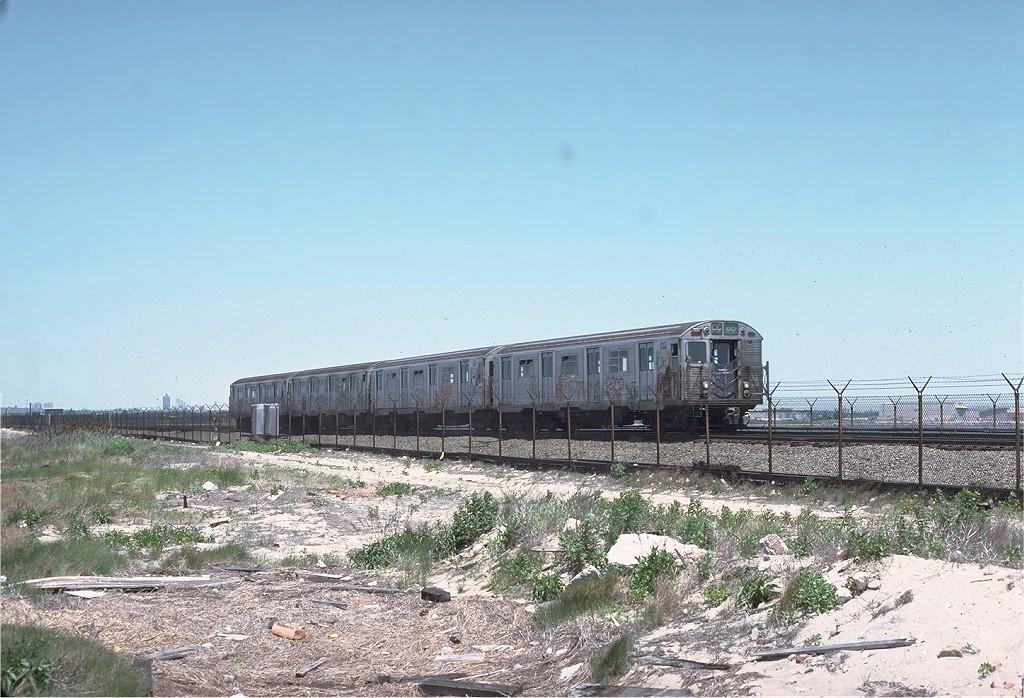 (212k, 1024x698)<br><b>Country:</b> United States<br><b>City:</b> New York<br><b>System:</b> New York City Transit<br><b>Line:</b> IND Rockaway<br><b>Location:</b> Jamaica Bay Crossing<br><b>Route:</b> HH<br><b>Car:</b> R-32 (Budd, 1964)  3499 <br><b>Photo by:</b> Joe Testagrose<br><b>Date:</b> 6/4/1977<br><b>Viewed (this week/total):</b> 1 / 3131