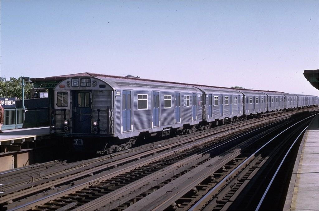 (196k, 1024x679)<br><b>Country:</b> United States<br><b>City:</b> New York<br><b>System:</b> New York City Transit<br><b>Line:</b> BMT West End Line<br><b>Location:</b> 55th Street <br><b>Route:</b> B<br><b>Car:</b> R-32 (Budd, 1964)  3535 <br><b>Photo by:</b> Joe Testagrose<br><b>Date:</b> 8/21/1969<br><b>Viewed (this week/total):</b> 4 / 3415